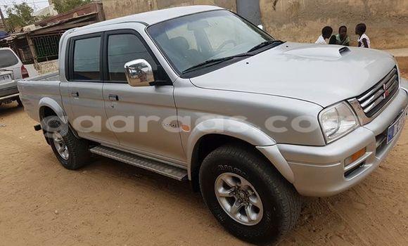 Acheter Voiture Mitsubishi L200 Gris à Gueule Tapee Fass Colobane en Dakar